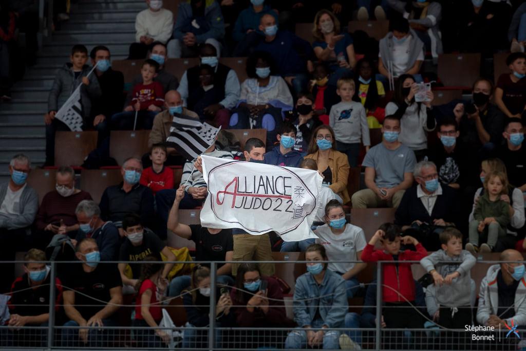 150 supporters AJ22 France à Brest
