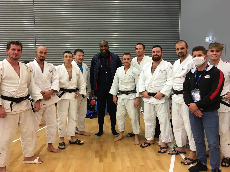 L'équipe AJ22 avec Teddy